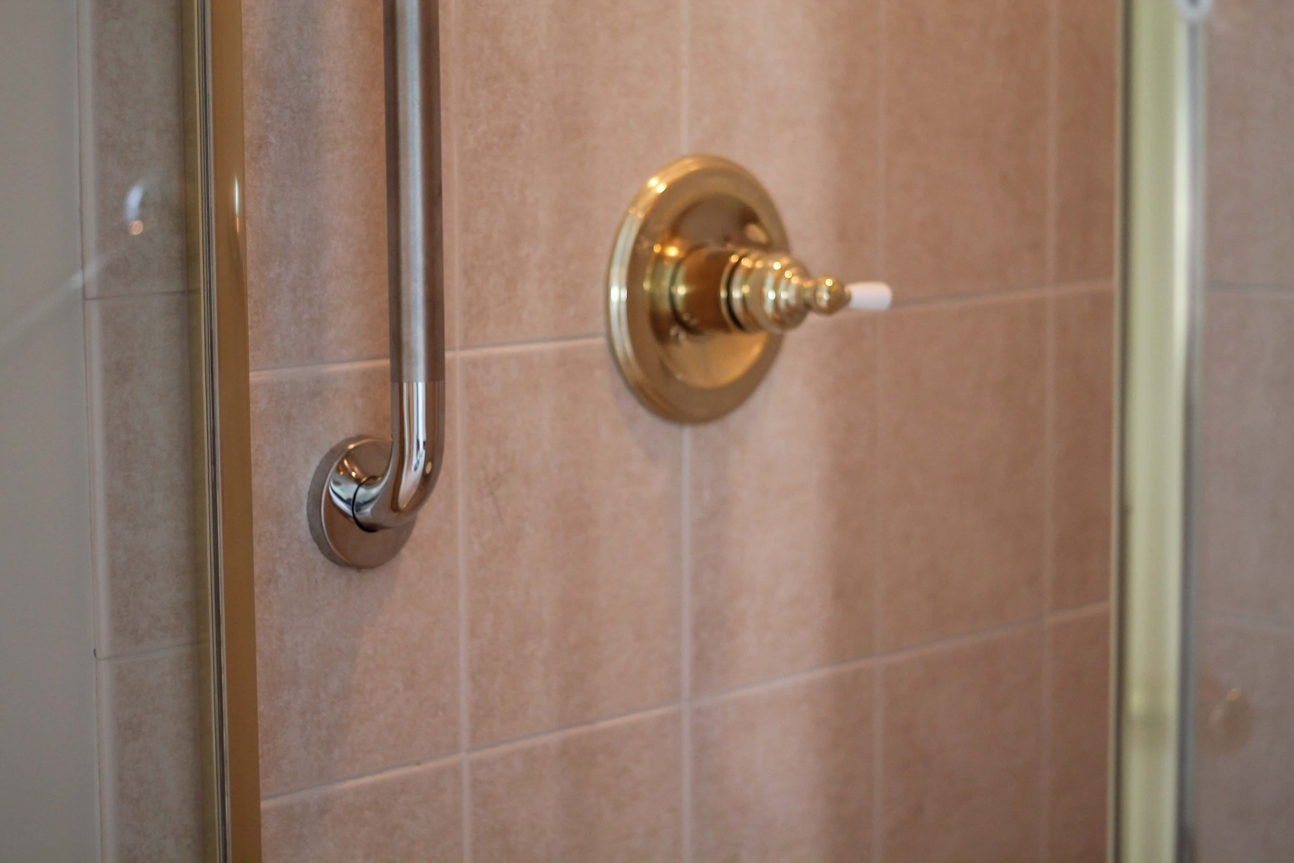 Grab bars access and mobility for Elevator grab bars